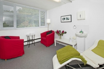 hypnotherapy appointment room at holmedale health exeter